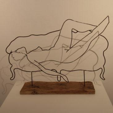 """""""nudo sul divano"""""""